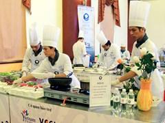 BTC có chuẩn bị dụng cụ nấu cho thí sinh hay không?