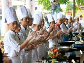 """63 đầu bếp """"Chiếc Thìa Vàng"""" sẽ tranh tài tại phố biển Nha Trang"""