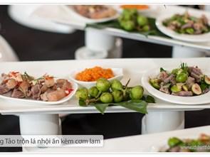 Nhiều món ăn dân dã lên bàn tiệc khách sạn 5 sao