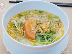 "Golden Spoon - Jellyfish with Noodle soup - the hottest dish at the ""My Hometown Festival, 2016"""