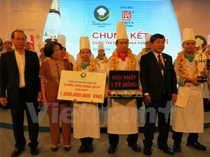 Caravelle Hotel champion of the Golden Spoon contest 2014 with the prize of VND 1 billion