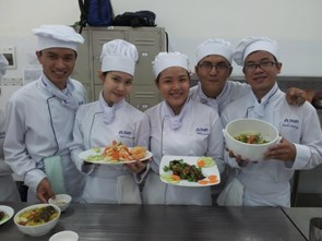 A Career in Cooking: It is necessary to train chefs professionally