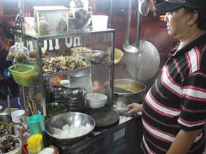 Đi tìm tô hủ tíu hồ ngon nhất Sài Gòn