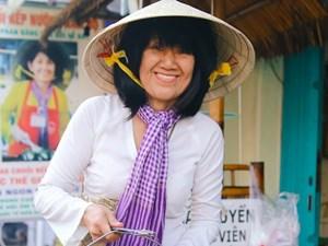 Người phụ nữ mang chuối nếp nướng Nam Bộ ra thế giới