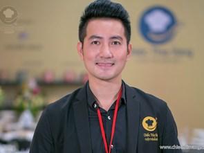 Singer Nguyen Phi Hung