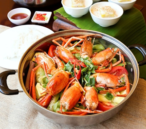 Shrimp hotpot: not too sweet, not too sour