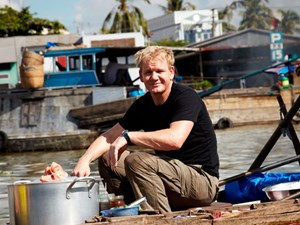 """The world-renowned chefs who """"fell in love"""" with Vietnamese cuisine"""