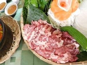 Nếm gù bò Kobe Thái, tại sao không?
