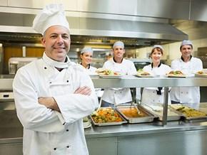 Đội hình bếp chuyên nghiệp gồm những bậc nào?