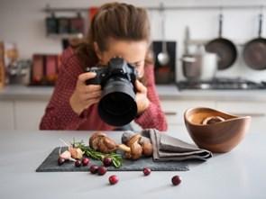 Làm đẹp món ăn: Nghề hiếm, lạ, công phu và 'hái ra tiền'