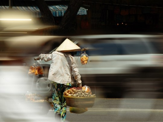 Evicted Saigon Street Vendors not Impressed by Proposed move to Facebook