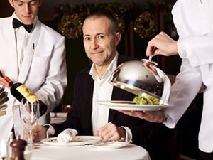 'Thanh tra' Michelin: Đi, ăn và ẩn danh