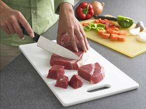 Ăn sạch, ngừa bệnh từ cách dùng thớt