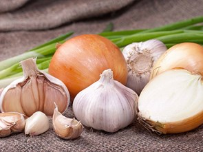 The Science of Slicing Garlic and Onions
