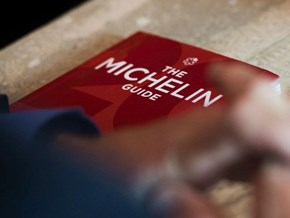 A Brief History of Chefs Giving Back Michelin Stars