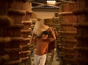 Khám phá nghề làm mắm 200 tuổi trứ danh ở Phan Thiết