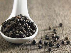 6 công dụng bất ngờ cho sức khỏe của tiêu đen