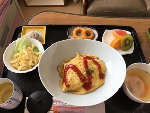 Đồ ăn trong bệnh viện Nhật Bản đẹp, sang như ở khách sạn