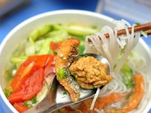 Thơm giòn bún cá, bánh đa cá Hà Nội