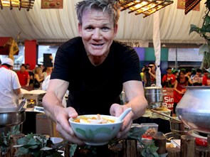 """Những bếp trưởng nổi danh thế giới """"chết mê"""" ẩm thực Việt"""