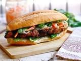 Ổ bánh mì giá hơn 2,2 triệu đồng tại TP.HCM