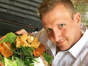 Would You Dare Eat 'Scary' Vietnamese Foods with Sonny Side?
