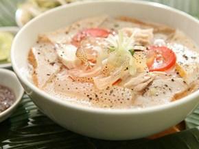 """Đến Quy Nhơn, ăn sứa nước lèo ngon """"quên lối về"""""""