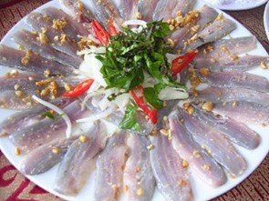 """Tò mò với đặc sản """"thủy quái"""" biển Đông ở Quảng Bình"""