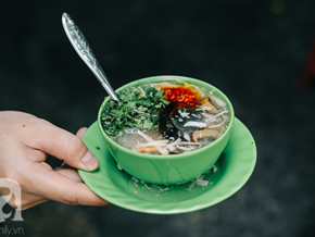 The Crab Soup Stand That's Been Bubbling in The Heart of Saigon for 24 Years