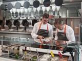 Nhà hàng đầu tiên trên thế giới hoàn toàn robot hóa