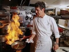 Những bí mật trong căn bếp nhà hàng từng được Anthony Bourdain tiết lộ