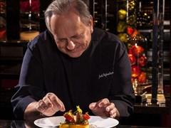 """Những món ăn làm nên tên tuổi của """"Đầu bếp thế kỷ"""" Joel Robuchon"""
