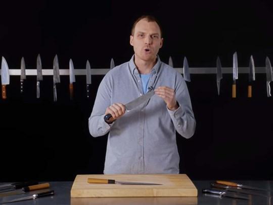 Thợ rèn dao giải thích sự khác biệt giữa những con dao đầu bếp
