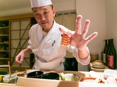 Khó đặt chỗ trước tại các nhà hàng danh tiếng ở Tokyo