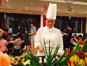 Dù có cả đội đầu bếp, Vua Maroc vẫn dứt khoát gọi đồ ăn Việt