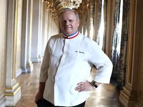 Joël Robuchon – Người thiết lập kỷ nguyên bếp núc mới cho ẩm thực Pháp