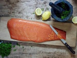 Ăn cá hồi, cá mòi giúp giảm các triệu chứng hen suyễn ở trẻ em