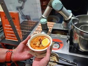 Singapore chế tạo robot đầu bếp